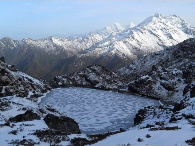 panch-pokhari-nepal-trekking-himalayas-mountains
